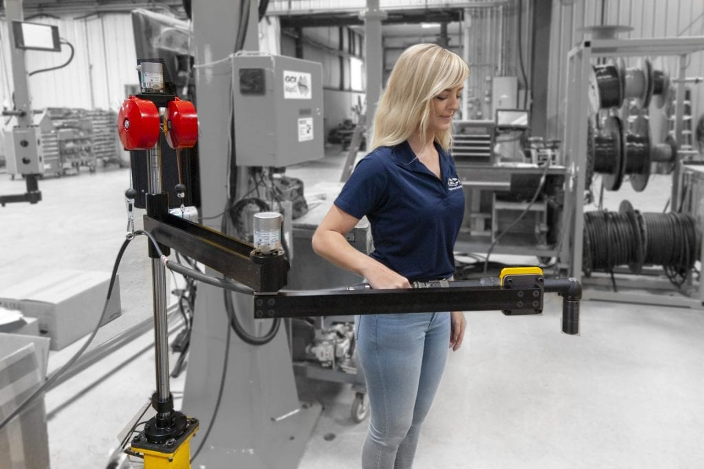 Woman operates a 150 NM aluminum torque reaction arm